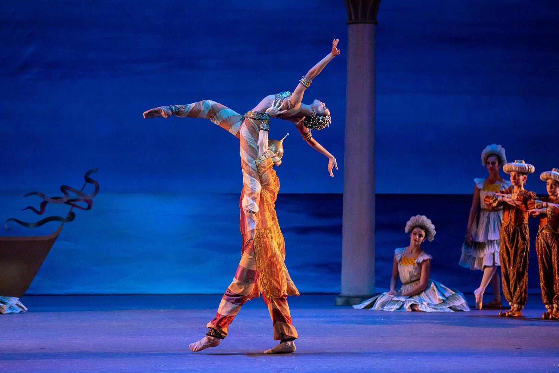 5789de786 Los Angeles Ballet s Nutcracker - Jasmine Perry and Joshua Brown in The  Nutcracker  Photo